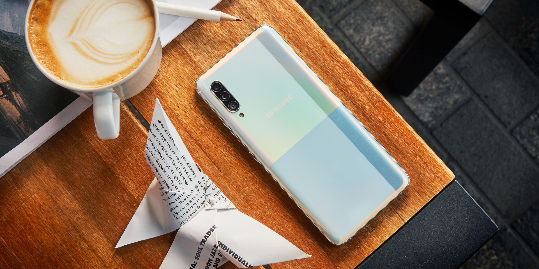 Samsung_Phone_A90_Lifestyle_K4A7255